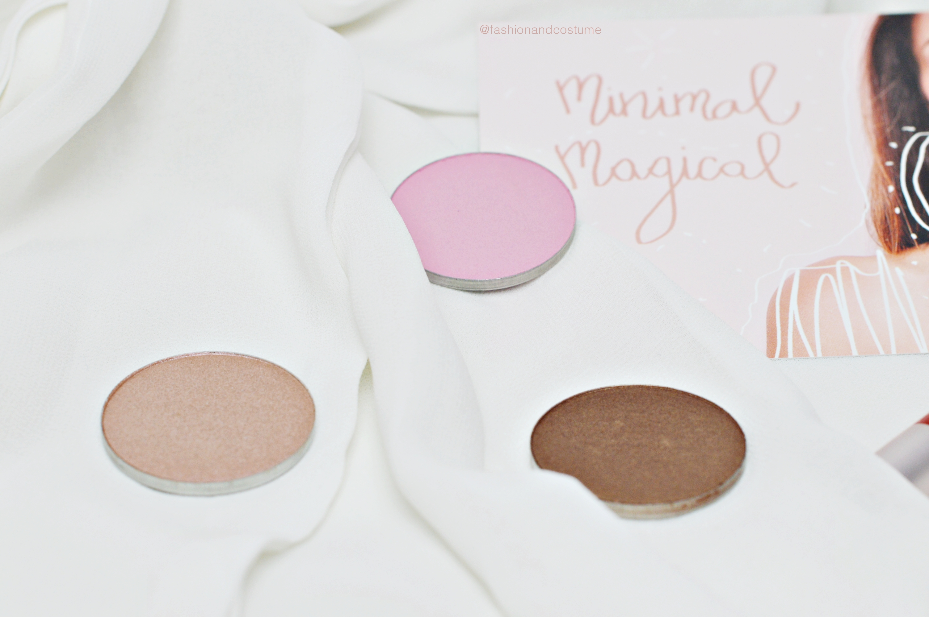 minimal-magical-neve-cosmetics-2