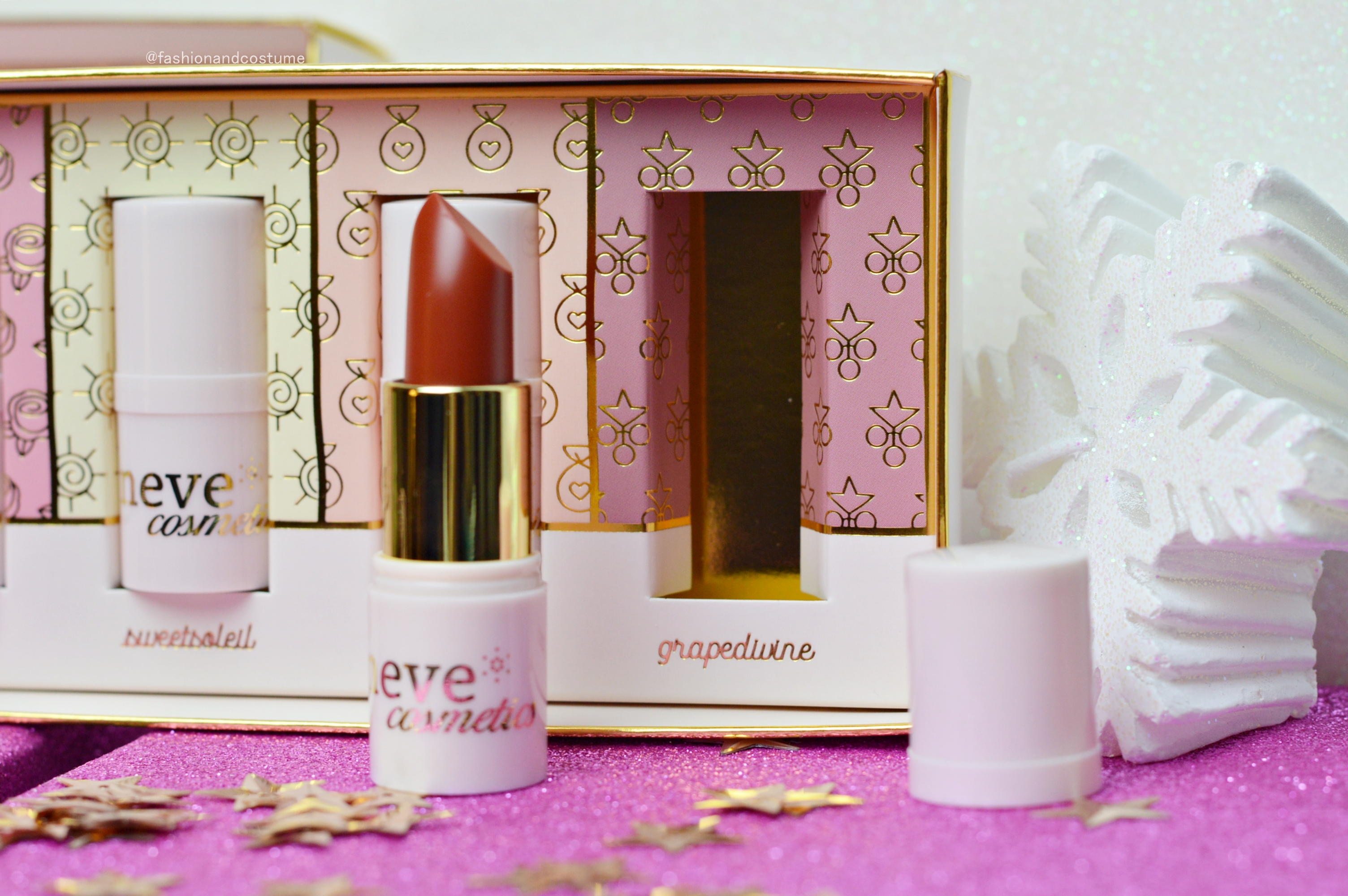 lippini-lipbalm-neve-cosmetics-naturale-labbra-idratate-idratare-roseosée-sweetsoleil-natale-promozione-grapedivine-candysoft-blog