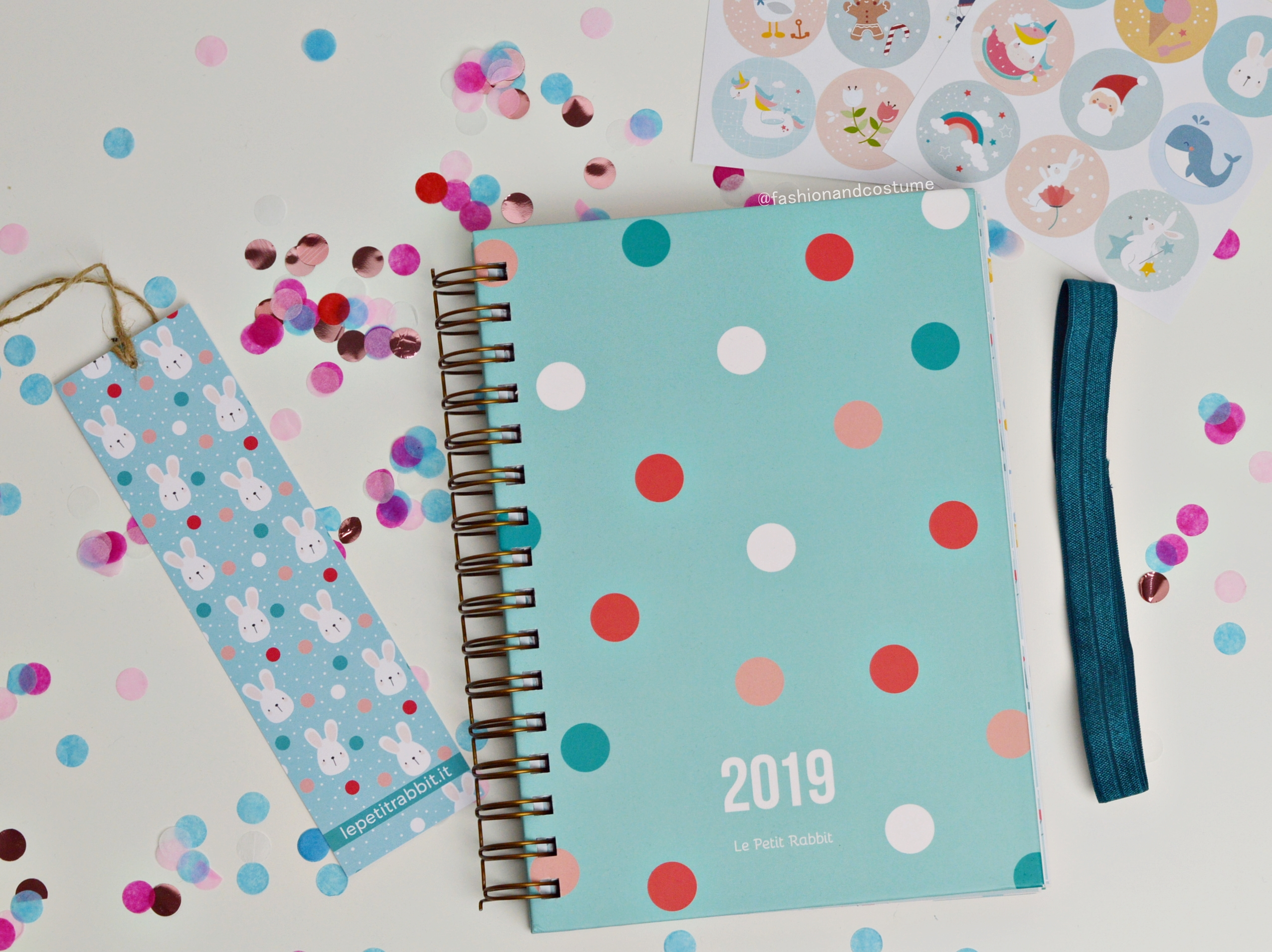 agenda-planner-2019-settimanale-weekly-giulia-lepetitrabbit-le-petit-rabbit-fashion-and-costume-fashionandcostume-graphic-designer-sticker-acquista-online