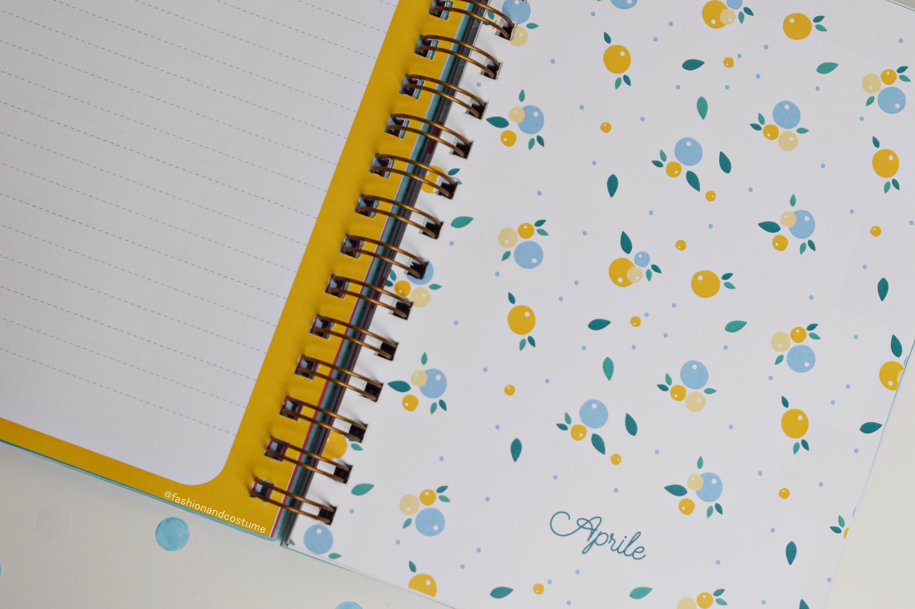 agenda-planner-2019-settimanale-weekly-giulia-lepetitrabbit-le-petit-rabbit-fashion-and-costume-fashionandcostume-graphic-designer-sticker-torino